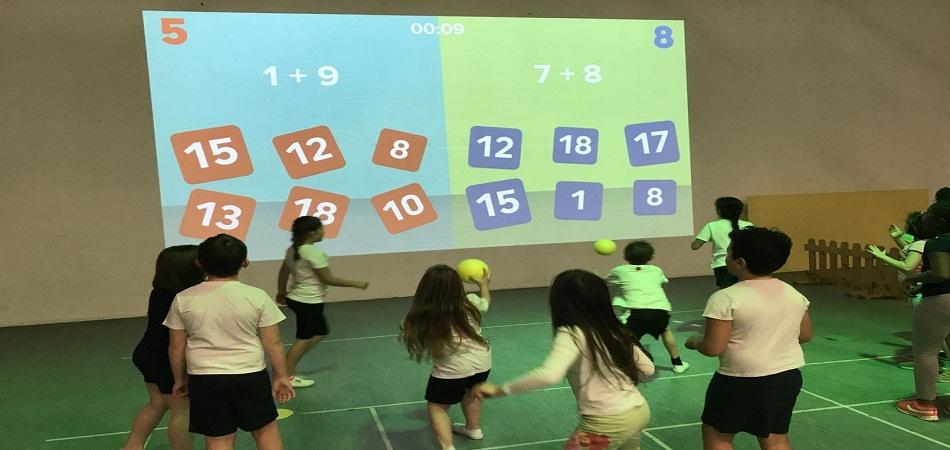 Les atouts de l'écran interactif pour l'enseignement en primaire